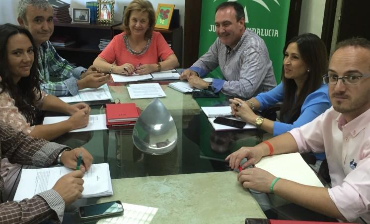 reunión con la Delegada de la Junta en Jaén de Igualdad, Salud y Políticas Sociales Teresa Vega