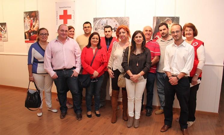 """Inauguración de la Exposición de Cruz Roja, Área de Intervención Social, """"Atrapados: Crisis de refugiados"""""""