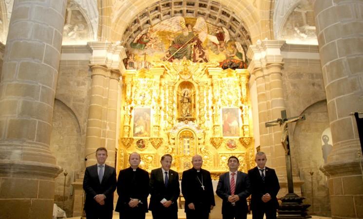 San Pedro Apóstol estrena iluminación artística