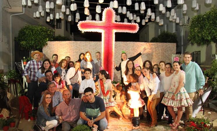 La Cruz de la Cofradía del Señor de las Lluvias, primer premio de las Cruces de Mayo 2017
