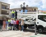 El nuevo camión de servicios del Ayuntamiento de Mengíbar entra en funcionamiento