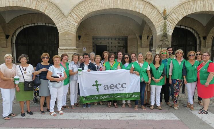 Cuestación de la Asociación Española Contra el Cáncer (AECC) en Mengíbar