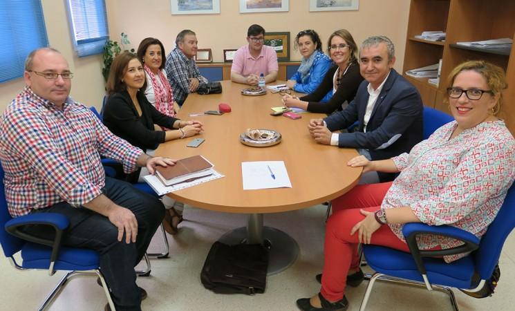 Reunión de seguimiento del Programa Social de Base con el Colectivo de Inmigrantes en Mengíbar