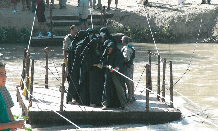 Recordando la primera recreación del paso del cortejo fúnebre de la reina Isabel por Mengíbar