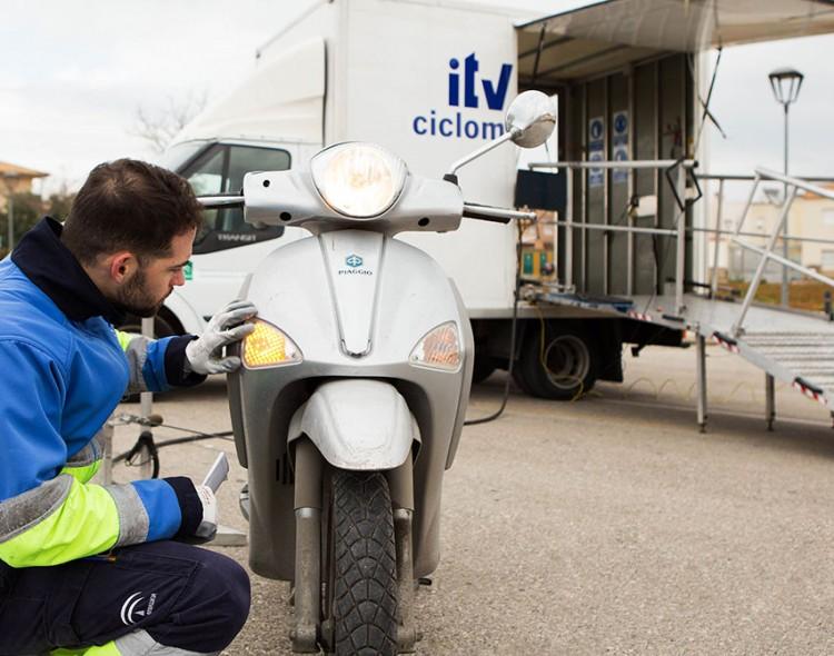ITV móvil para ciclomotores en Mengíbar los días 21 y 22 de diciembre de 2017