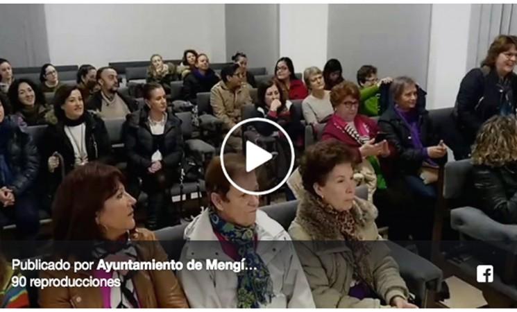 Lectura del manifiesto por el Día de la Mujer en Mengíbar (vídeo)