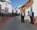 El Ayuntamiento de Mengíbar mejora la calzada y el acerado de la calle Juan Santos Galindo