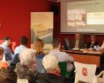 Manuel Rodríguez presenta 'El tren del aceite' en Mengíbar