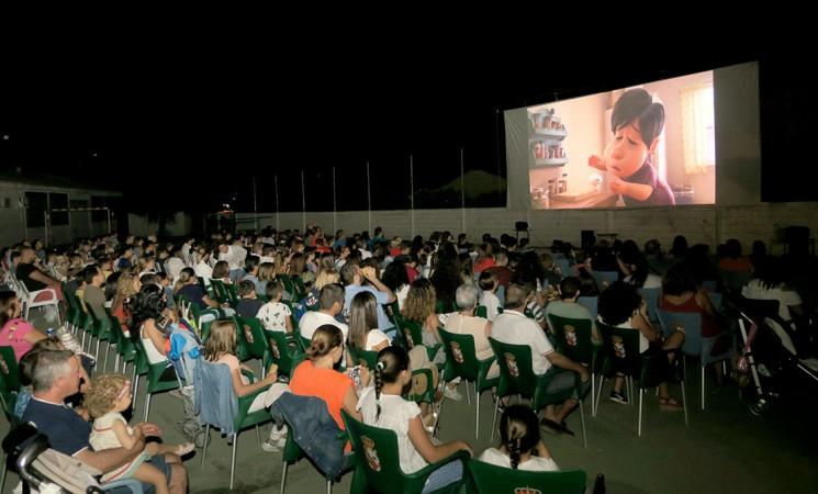 El cine de verano de Mengíbar acaba la temporada con más de 3.000 entradas