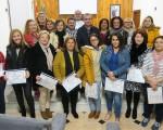 Entrega de diplomas al alumnado del curso de camarero/a de piso organizado por el Ayuntamiento de Mengíbar