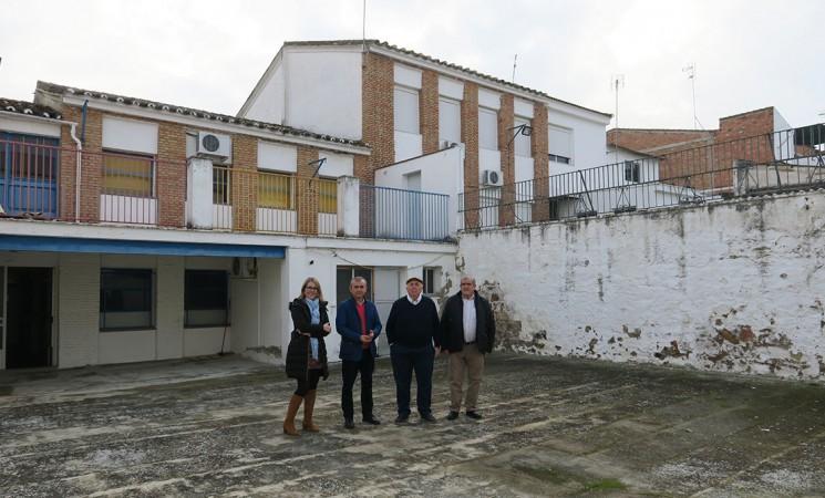 El Ayuntamiento de Mengíbar construirá un salón de actos en el patio de la antigua guardería municipal