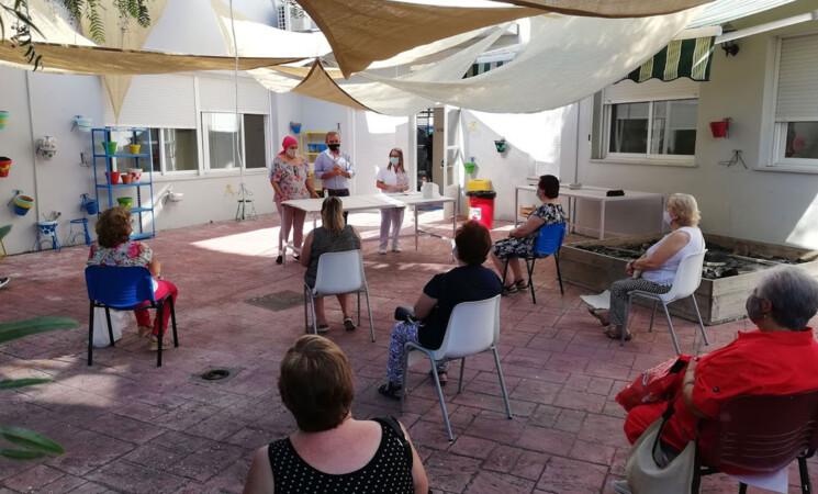 El Centro Ocupacional Villa de Mengíbar explica a progenitores y tutores de los usuarios el protocolo anti COVID-19 para el nuevo curso