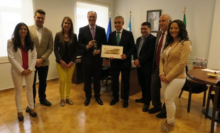 Visita del Presidente del Parlamento Andaluz y Delegado Territorial de Agricultura, Pesca y Desarrollo Rural al Ayuntamiento de Mengíbar