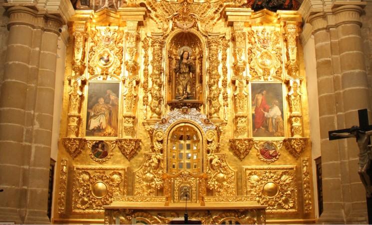 Inauguración de la nueva iluminación de San Pedro Apóstol, el jueves 6 de abril