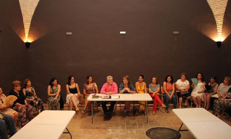 Clubes de lectura de la comarca se reúnen en la Torre de Mengíbar