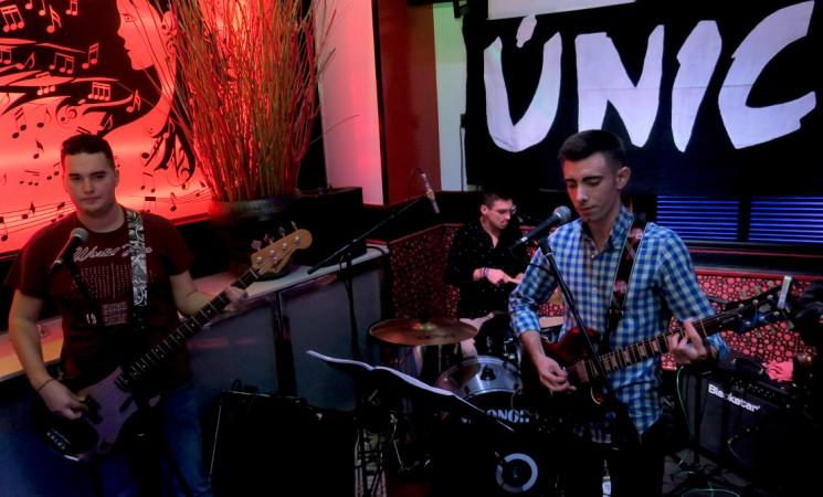 Concierto del grupo Único en el Ciclo Musical del Noviembre Cultural de Mengíbar