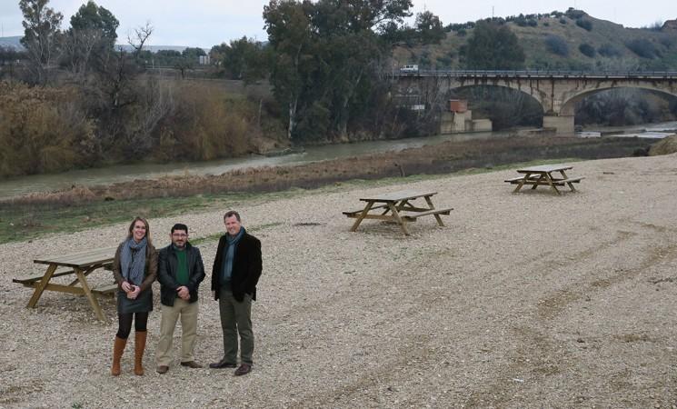 Nueva zona de merenderos de Mengíbar en la orilla del Guadalquivir con una subvención de la Diputación de Jaén