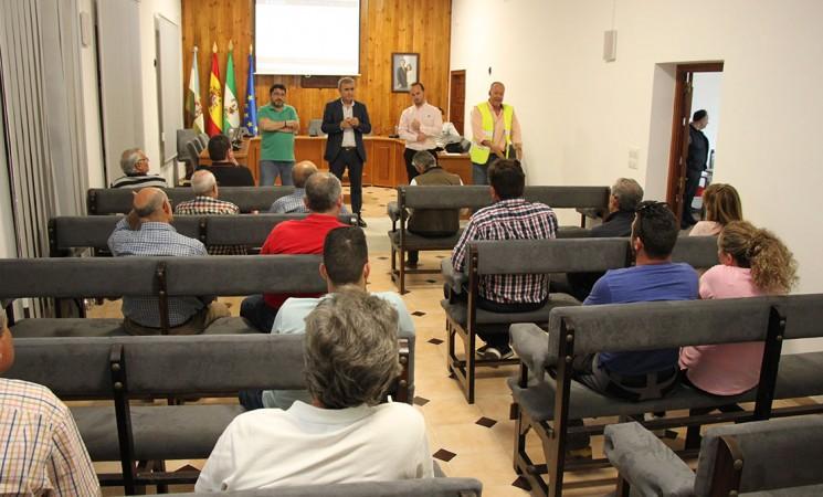 Reunión con proveedores del Ayuntamiento de Mengíbar sobre la nueva ley de contratación