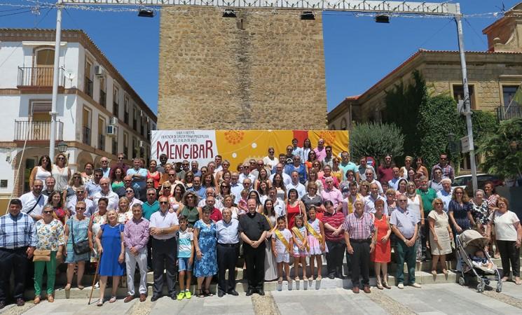 La Casa Palacio de Mengíbar abraza a los vecinos ausentes en su tradicional homenaje