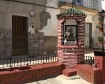 El Ayuntamiento de Mengíbar arregla el rincón de San Antonio en la calle La Pompa