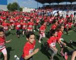 1.800 estudiantes de Mengíbar de todas las edades corren por el medio ambiente