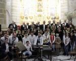 La Coral Ossigi canta al Niño Dios en la Parroquia de San Pedro Apóstol de Mengíbar