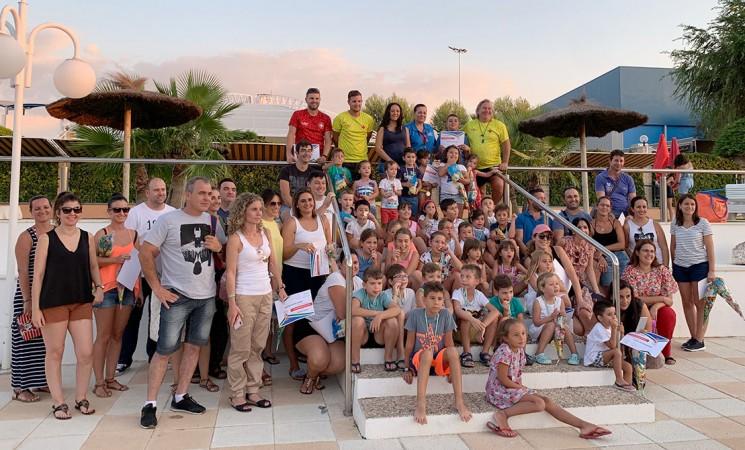 Clausura de los cursos de natación en la Piscina Municipal Mengíbar 2019