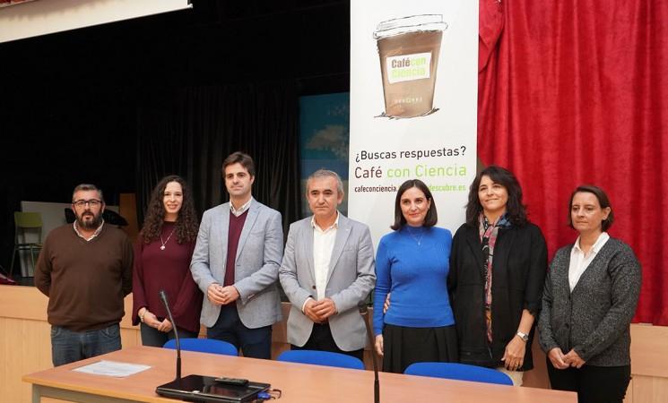 Geolit organiza un 'Café con ciencia' en el Instituto María Cabeza Arellano Martínez, de Mengíbar