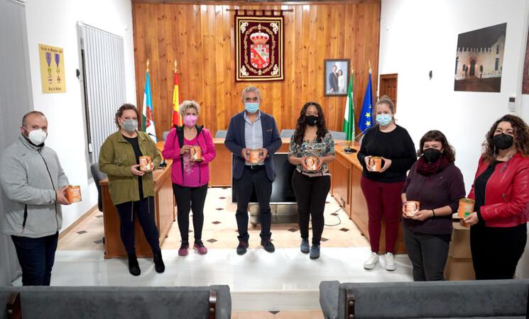 Más de 50 establecimientos de Mengíbar participan en la campaña 'Échame una pata', a favor de Dreyaa