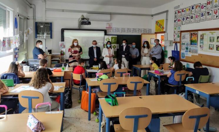 Escolares de Mengíbar realizan una visita virtual a la Estación Espacial Internacional con motivo del Día de Internet