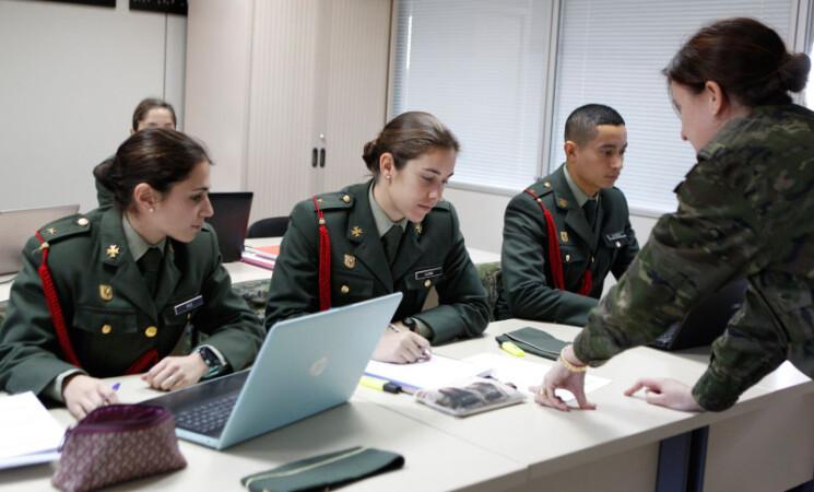 Publicadas las nuevas convocatorias de 2021 para el acceso como oficial y suboficial a las Fuerzas Armadas