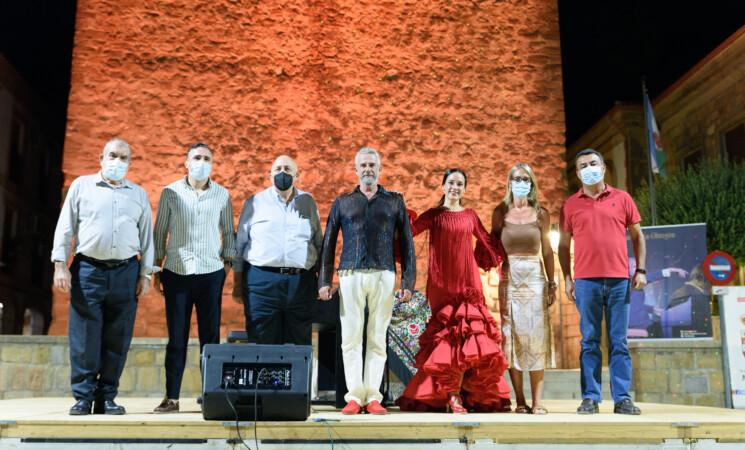 Galería del Espectáculo de Piano Flamenco, Sevillanas y Copla a cargo de Joaquín Pareja-Obregón y la bailaora Rosa Ruiz.
