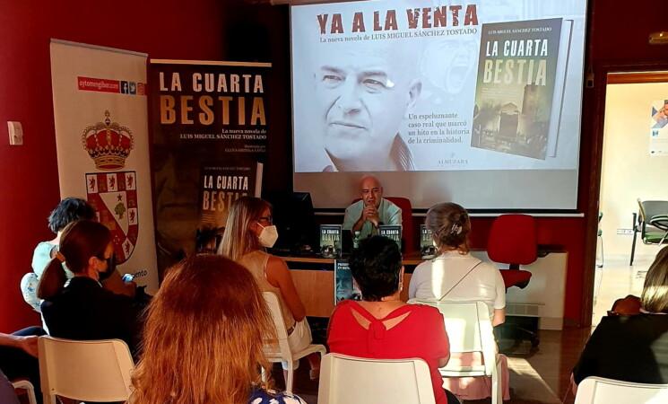 """Presentación del libro: """"La Cuarta Bestia"""", de Luis Miguel Sánchez Tostado en Mengíbar"""